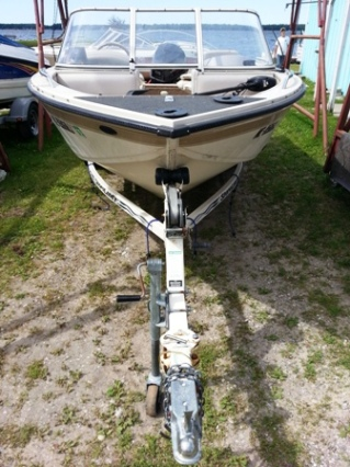1997 Crestliner 1750 Sportfish with 1996 Johnson 115 Outboard